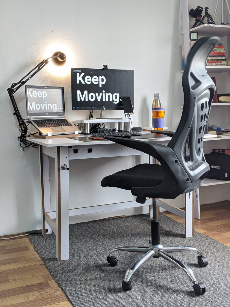 https://www.pexels.com/photo/home-office-interior-4930018/